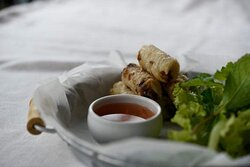 Vietnam Shrimp or Porc Fried Rolls