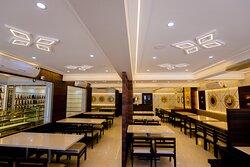 Kamat Plus Veg Restaurant