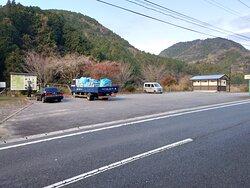 佐田京石前 駐車場
