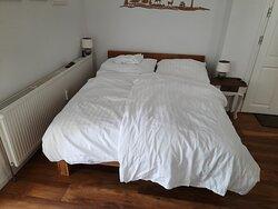 Doppelbett - Queensize bed