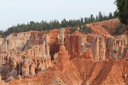 Beautiful colors in the rock formations on 4 hour Bryce Canyon trail ride.