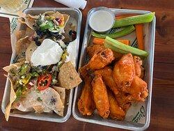 Nachos & Wings