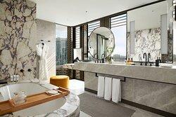 Pan Pacific Suite Bathroom