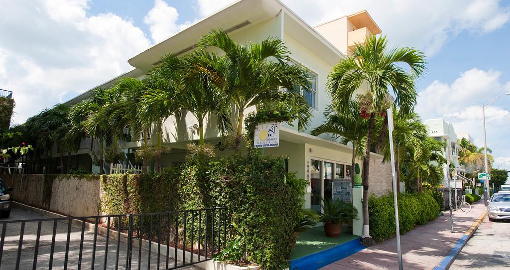 南海灘套房飯店