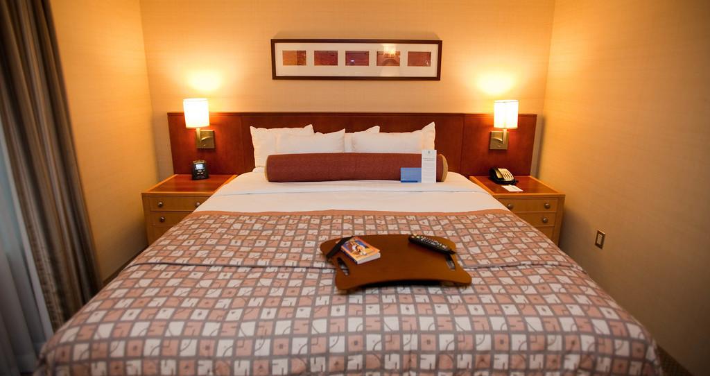 Embassy Suites by Hilton Washington-Convention Center