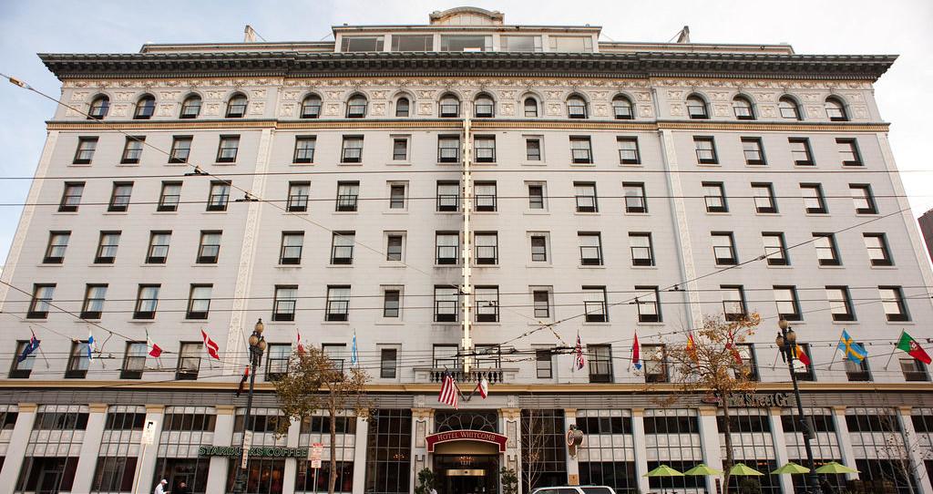 โรงแรมวิตคอมบ์