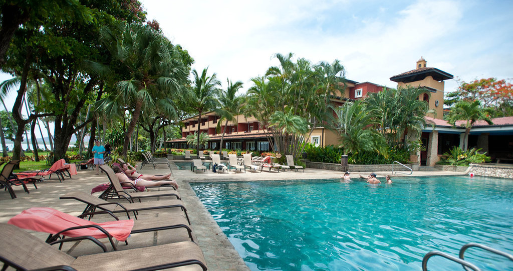 Tamarindo Diria 海灘渡假飯店