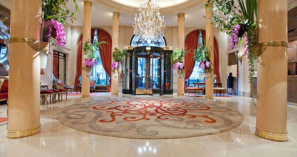ホテル プラザ アテネ パリ