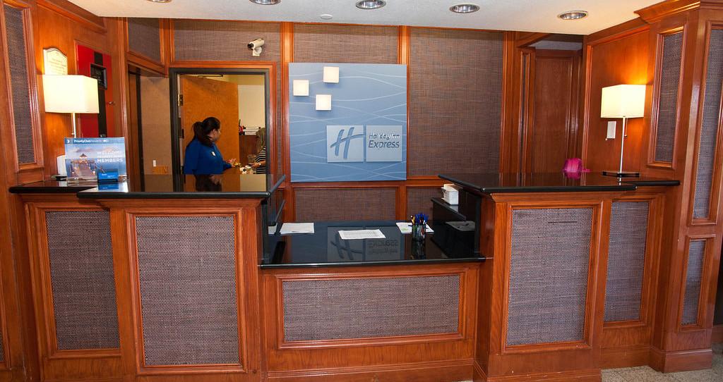 Holiday Inn Express Hotel & Suites San Antonio-Downtown Market Area