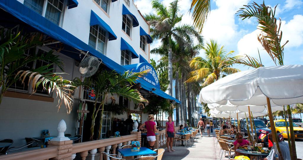 Beach Paradise Hotel