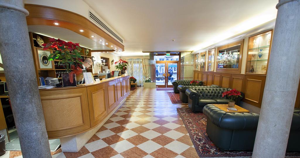 里亞托橋酒店