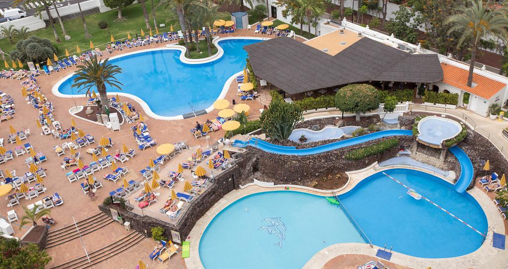 スプリング ホテル ビタコラ