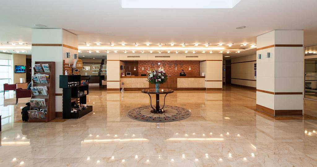 TAV 어에포트 호텔