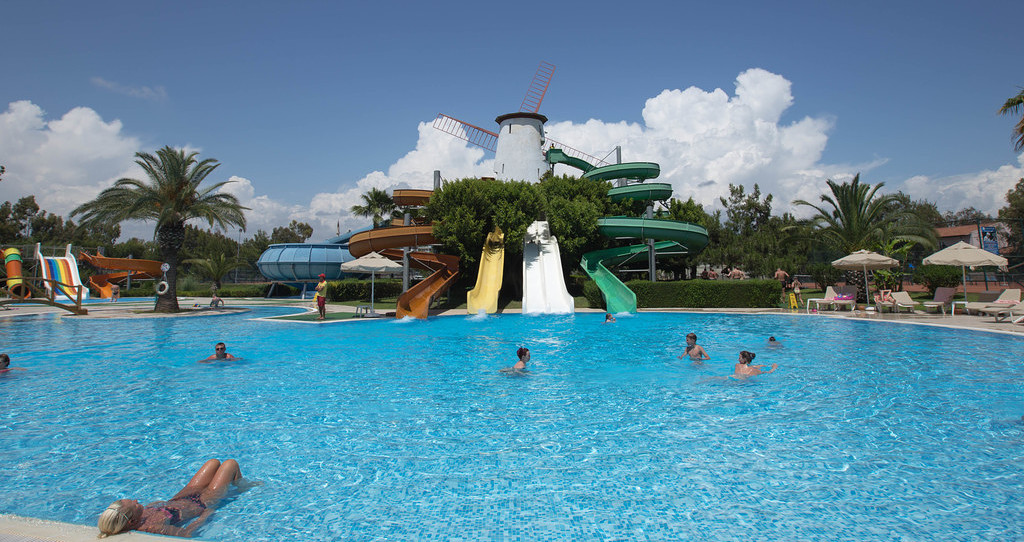 Sunrise Park Resort and Spa
