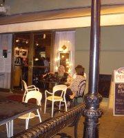 Carli Cafe Concierto
