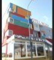 Muza Hotel & Restaurant