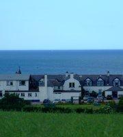 Cullen Bay Hotel Lounge