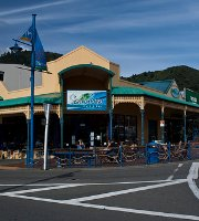 Seabreeze Cafe & Bar