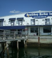 The Sunset Lounge at the Boothbay Harbor Inn