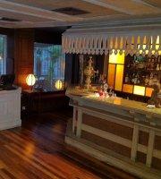 Petit Saigon Restaurant