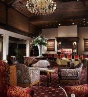 The Straits Lobby Bar at Sheraton Lampung Hotel
