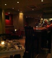 Montage Food Cafe