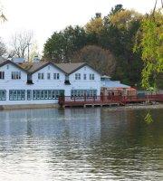 Bostwick Lake Inn