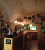 Bar Moro