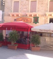 The Grapes Wines Bar
