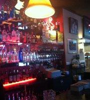 Cinola Restaurant & Lounge