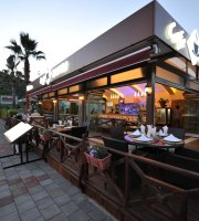 Belcehan Beach Deluxe Cafe Bistro
