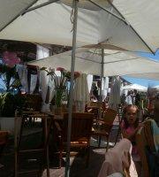 Le Tiki Beach