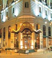 LaresPark Hotel