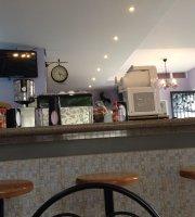 Cafe com Pão Cafeteria