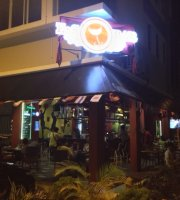 E.S.Bar