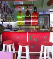 johnny's cafe bar restaurant