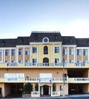 BEST WESTERN PLUS San Pedro Hotel & Suites