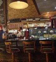 Casa Dos Frios Wine Bar