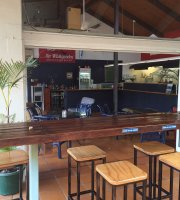 Beaver Bar & Café