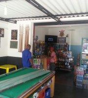 Marivas Bar