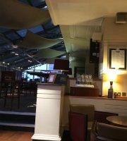 City 3 Restaurant at Hilton Leeds City