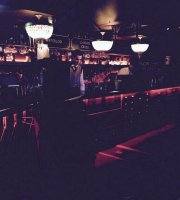 Cahoots Bar