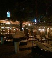 Luna Beach Bar