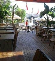 Iyi Resto Bar