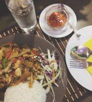 Aroy Thai & Sushi Bar