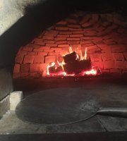 Mizzoni Woodfired Pizza
