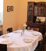 Charentsi 28 Restaurant