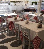 Nicos Taverna