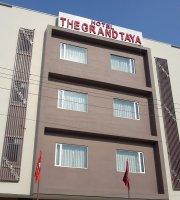 Grand Taya