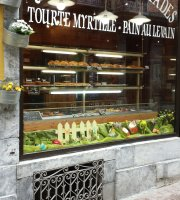 At Patisserie Gillou